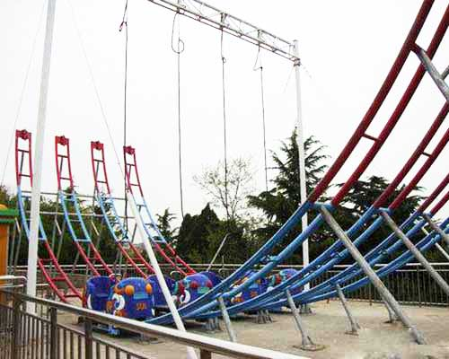 4-track meniscus roller coaster car ride