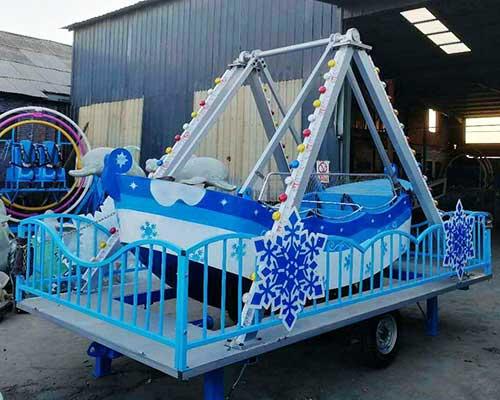 mini pendulum boat ride
