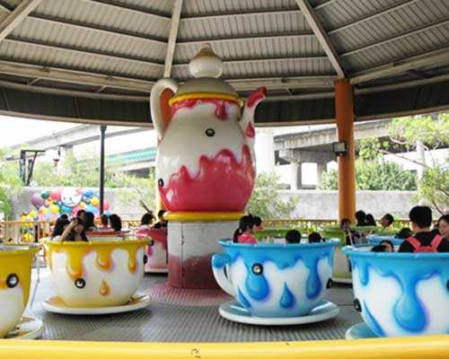 spinning teacups