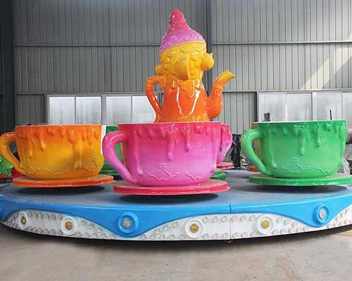 teacup spinning ride